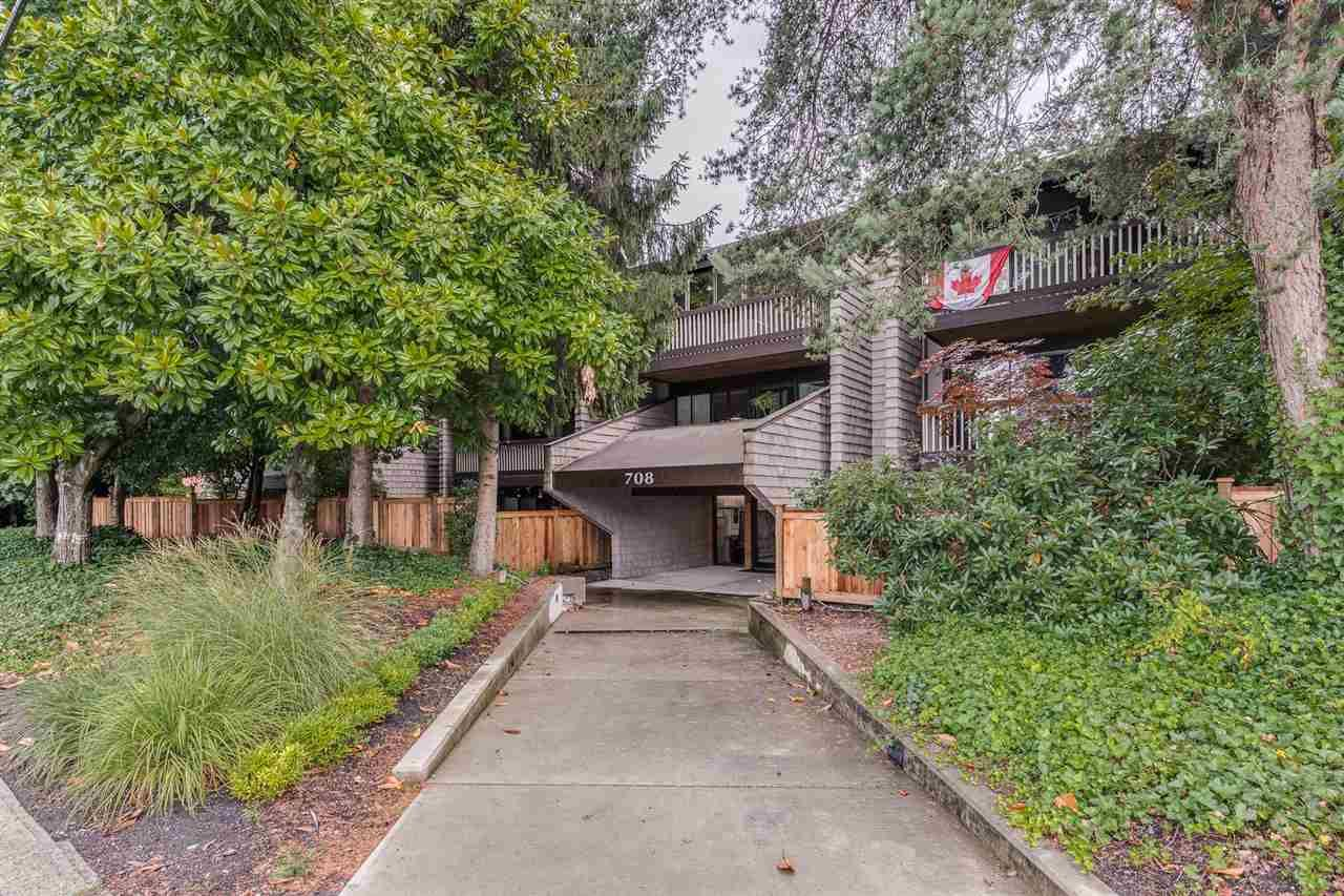 """Main Photo: 102 708 EIGHTH Avenue in New Westminster: Uptown NW Condo for sale in """"VILLA FRANCISCAN"""" : MLS®# R2490435"""