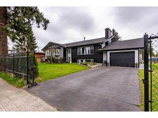 Photo 1: 32238 PEARDONVILLE Road in Abbotsford: Abbotsford West House for sale : MLS®# R2564200