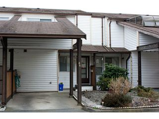 """Photo 1: 86 27272 32ND Avenue in Langley: Aldergrove Langley Townhouse for sale in """"TWIN FIRS"""" : MLS®# F1409011"""