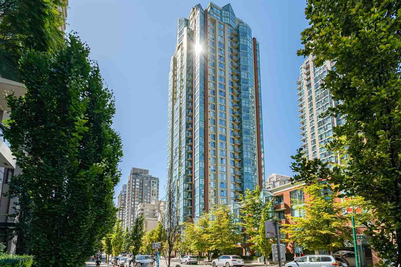 "Main Photo: 606 939 HOMER Street in Vancouver: Yaletown Condo for sale in ""The Pinnacle"" (Vancouver West)  : MLS®# R2575270"
