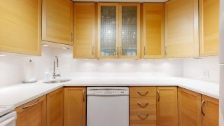"""Photo 24: 104 925 W 15TH Avenue in Vancouver: Fairview VW Condo for sale in """"The Emperor"""" (Vancouver West)  : MLS®# R2500079"""