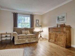 Photo 10: 91 GREENBRIER Crescent in London: South N Residential for sale (South)  : MLS®# 40165293
