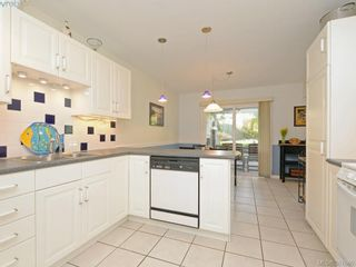 Photo 7: 11 1950 Cultra Ave in SAANICHTON: CS Saanichton Row/Townhouse for sale (Central Saanich)  : MLS®# 779044