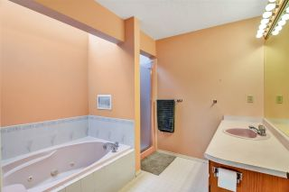 """Photo 40: 6219 189TH STREET Street in Surrey: Cloverdale BC House for sale in """"Eaglecrest"""" (Cloverdale)  : MLS®# R2549565"""