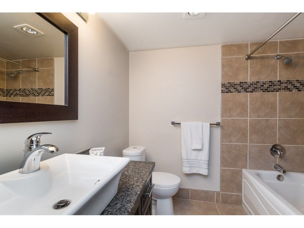 """Photo 21: Photos: 113 33400 BOURQUIN Place in Abbotsford: Central Abbotsford Condo for sale in """"Bakerview Place"""" : MLS®# R2523982"""