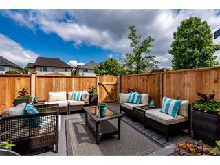 """Photo 33: 18461 67A Avenue in Surrey: Cloverdale BC House for sale in """"Heartland"""" (Cloverdale)  : MLS®# R2456521"""