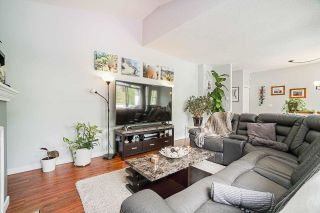 """Photo 8: 54 10038 150 Street in Surrey: Guildford Townhouse for sale in """"Mayfield Green"""" (North Surrey)  : MLS®# R2585108"""