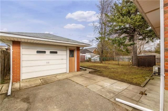 Photo 14: Photos: 304 Jackson Avenue in Oshawa: Central House (Bungalow) for sale : MLS®# E3997976