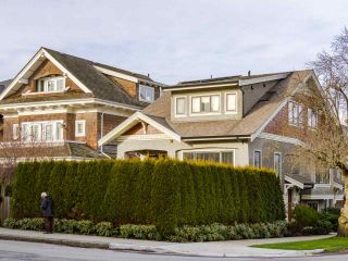 Photo 1: 3209 W 2ND AVENUE in Vancouver: Kitsilano Townhouse for sale (Vancouver West)  : MLS®# R2527751