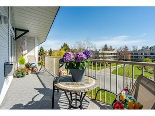 """Photo 1: 310 15298 20 Avenue in Surrey: King George Corridor Condo for sale in """"Waterford House"""" (South Surrey White Rock)  : MLS®# R2451053"""