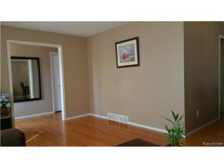 Photo 4: 35 Madrigal Close in WINNIPEG: Maples / Tyndall Park Residential for sale (North West Winnipeg)  : MLS®# 1508087