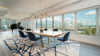 """Photo 7: 701 151 ATHLETES Way in Vancouver: False Creek Condo for sale in """"CANADA HOUSE ON THE WATER"""" (Vancouver West)  : MLS®# R2617164"""