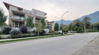 """Photo 3: 312 1150 BAILEY STREET in Squamish: Downtown SQ Condo for sale in """"Parkhouse"""" : MLS®# R2505004"""