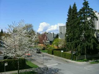 Photo 2: 302 3008 WILLOW ST in Vancouver: Fairview VW Condo for sale (Vancouver West)  : MLS®# V586298