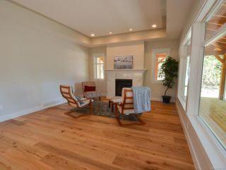 Photo 5: 5121 W Island Hwy in QUALICUM BEACH: PQ Qualicum Beach House for sale (Parksville/Qualicum)  : MLS®# 792542