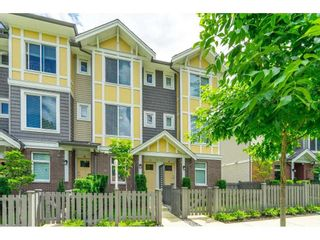 Photo 2: 17 9718 161A Street in Surrey: Fleetwood Tynehead Townhouse for sale : MLS®# R2592494