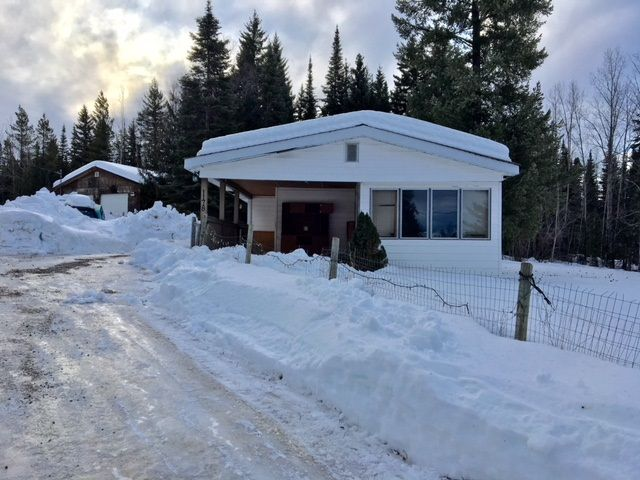 "Photo 1: Photos: 1178 OMEGA Road in Quesnel: Quesnel - Rural North Manufactured Home for sale in ""SCHEMENAUER SUB."" (Quesnel (Zone 28))  : MLS®# R2432778"