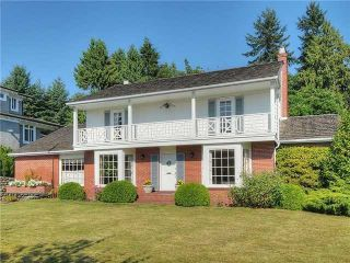 Photo 1: 2050 Westdean Cr in West Vancouver: Ambleside House for sale : MLS®# V1140072
