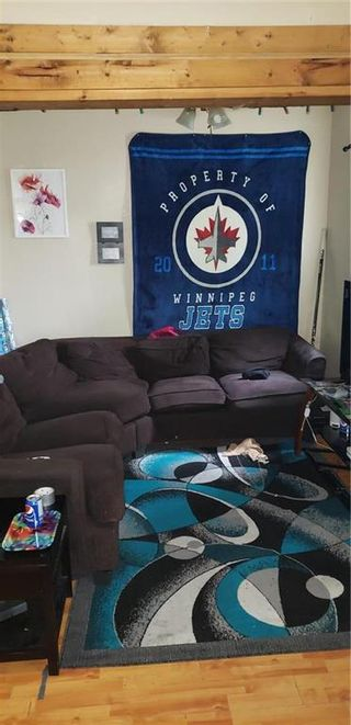 Photo 3: 282 Toronto Street in Winnipeg: West End Residential for sale (5A)  : MLS®# 202112825