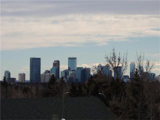 Photo 5: 23 Highwood Place NW in Calgary: Highwood House for sale : MLS®# C4106746