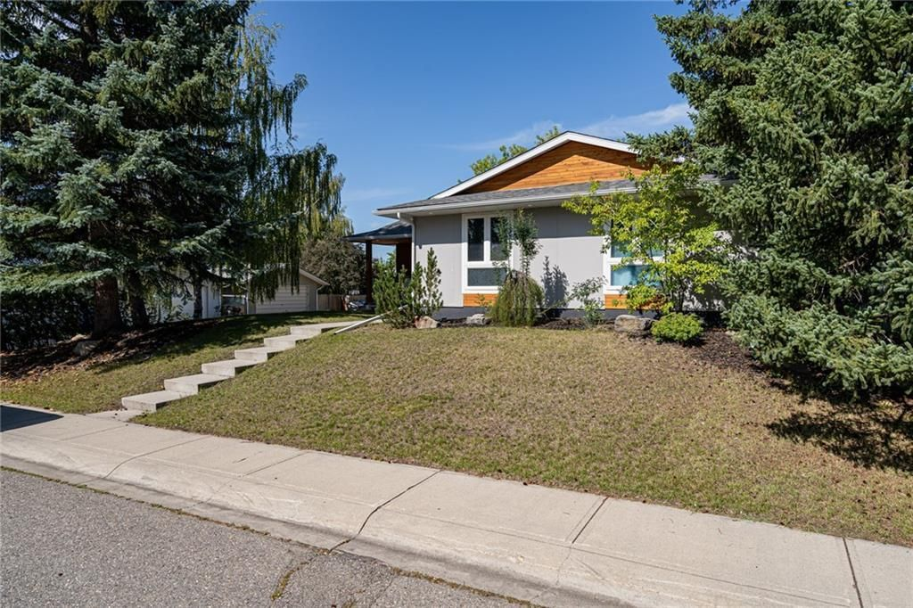 Main Photo: 9435 Paliswood Way SW in Calgary: Palliser Detached for sale : MLS®# A1095953