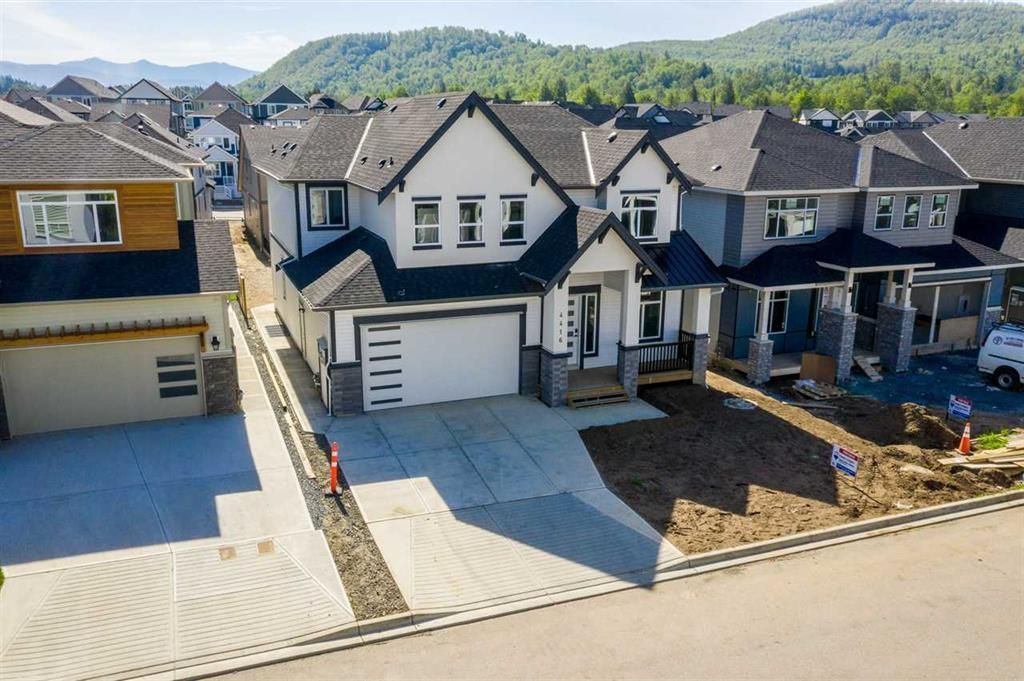 Main Photo: 4416 EMILY CARR Place in Abbotsford: Abbotsford East House for sale : MLS®# R2410848