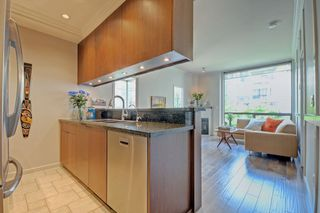 Photo 5: 201 928 RICHARDS STREET in Vancouver: Yaletown Condo for sale (Vancouver West)  : MLS®# R2281574