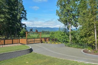 Photo 2: 4158 Marsden Rd in : CV Courtenay West House for sale (Comox Valley)  : MLS®# 883219
