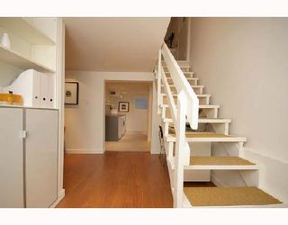 Photo 9: 19 E WOODSTOCK Avenue in Vancouver: Main House for sale (Vancouver East)  : MLS®# V677878
