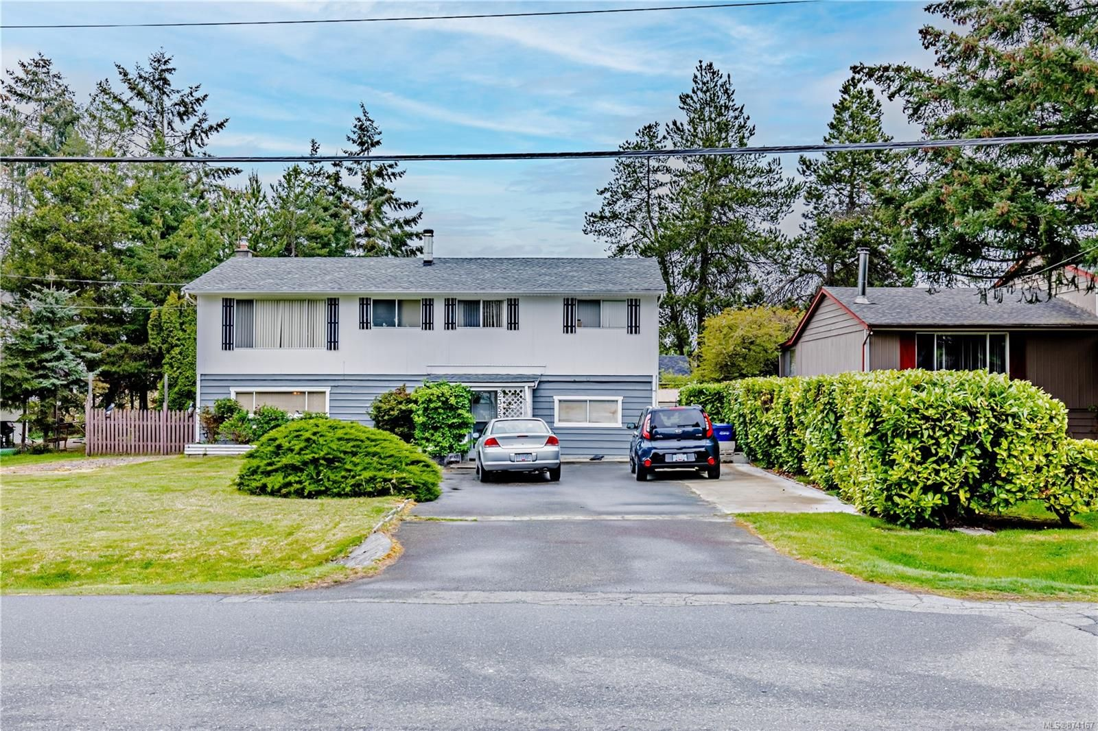 Main Photo: 2355 Wild Dove Rd in : Na Diver Lake House for sale (Nanaimo)  : MLS®# 874167