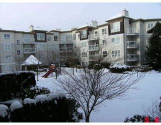 "Photo 8: 215 10186 155TH Street in Surrey: Guildford Condo for sale in ""Somerset"" (North Surrey)  : MLS®# F2833763"