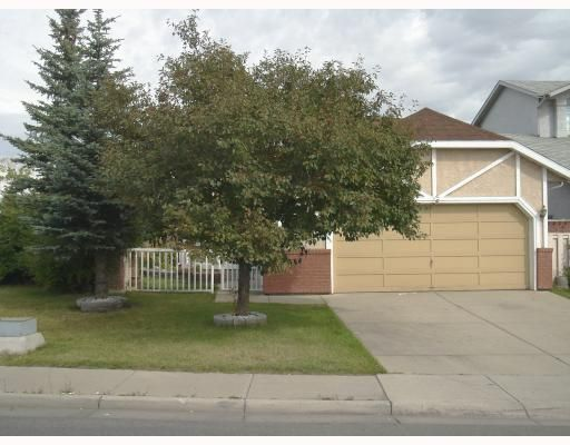 Main Photo: 996 APPLEWOOD Drive SE in CALGARY: Applewood Residential Detached Single Family for sale (Calgary)  : MLS®# C3347246