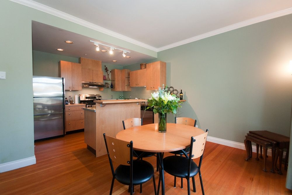 Photo 13: Photos: 2498 W 5TH Avenue in Vancouver: Kitsilano Townhouse for sale (Vancouver West)  : MLS®# V838455