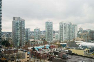 "Photo 11: 1606 939 HOMER Street in Vancouver: Yaletown Condo for sale in ""PINNACLE"" (Vancouver West)  : MLS®# R2253359"