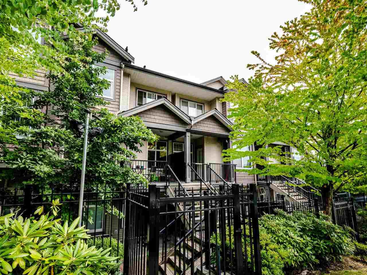 "Main Photo: 207 7333 16TH Avenue in Burnaby: Edmonds BE Townhouse for sale in ""Southgate"" (Burnaby East)  : MLS®# R2485913"