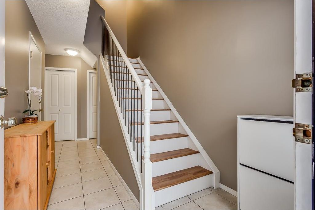 Photo 16: Photos: 137 MILLVIEW Square SW in Calgary: Millrise House for sale : MLS®# C4145951