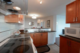 """Photo 7: 1701 4380 HALIFAX Street in Burnaby: Brentwood Park Condo for sale in """"BUCHANAN NORTH"""" (Burnaby North)  : MLS®# R2132955"""