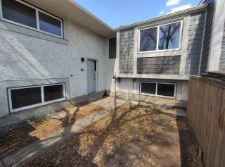 Photo 1: 617 WILLOW Court in Edmonton: Zone 20 Townhouse for sale : MLS®# E4240876