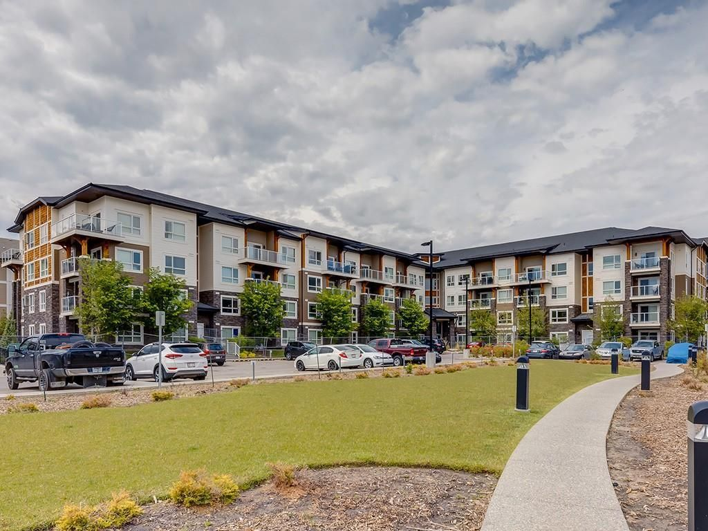 Main Photo: 3412 240 SKYVIEW RANCH Road NE in Calgary: Skyview Ranch Apartment for sale : MLS®# C4303327
