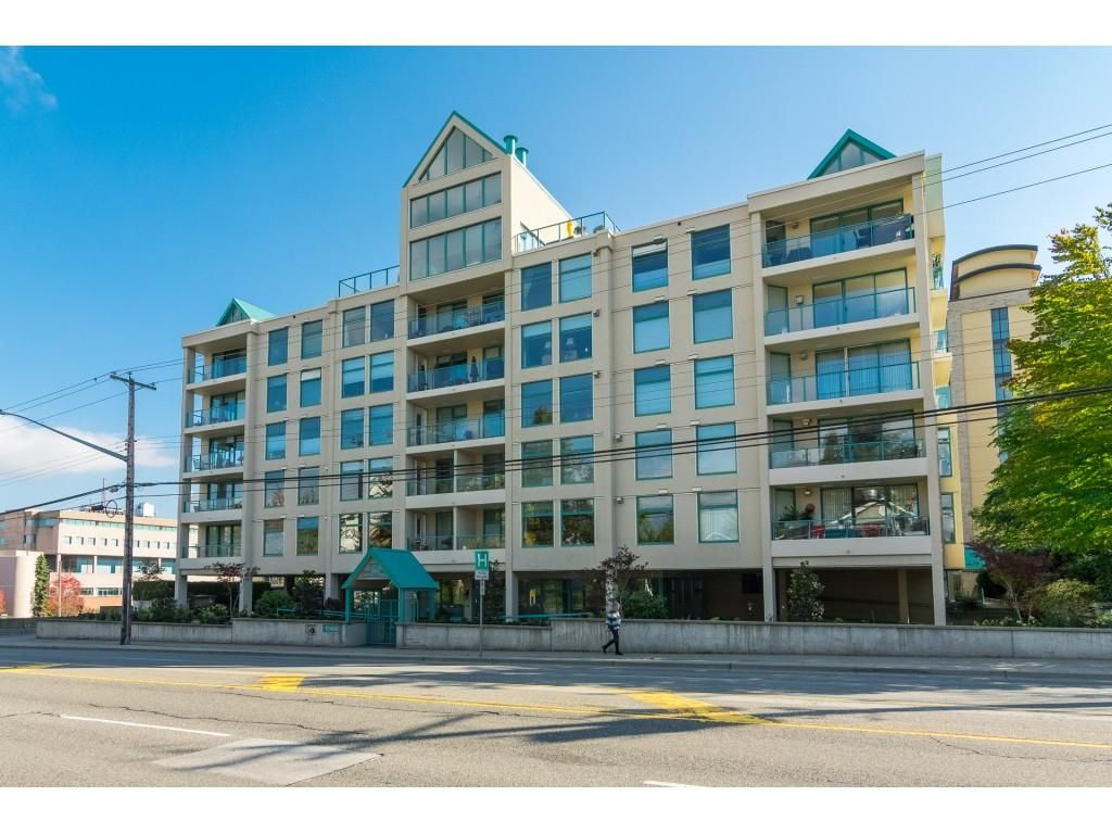 "Main Photo: 203 15466 NORTH BLUFF Road: White Rock Condo for sale in ""THE SUMMIT"" (South Surrey White Rock)  : MLS®# R2371084"