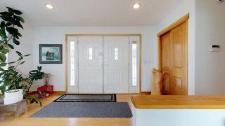 "Photo 2: 41955 BIRKEN Road in Squamish: Brackendale House for sale in ""Brackendale"" : MLS®# R2259275"