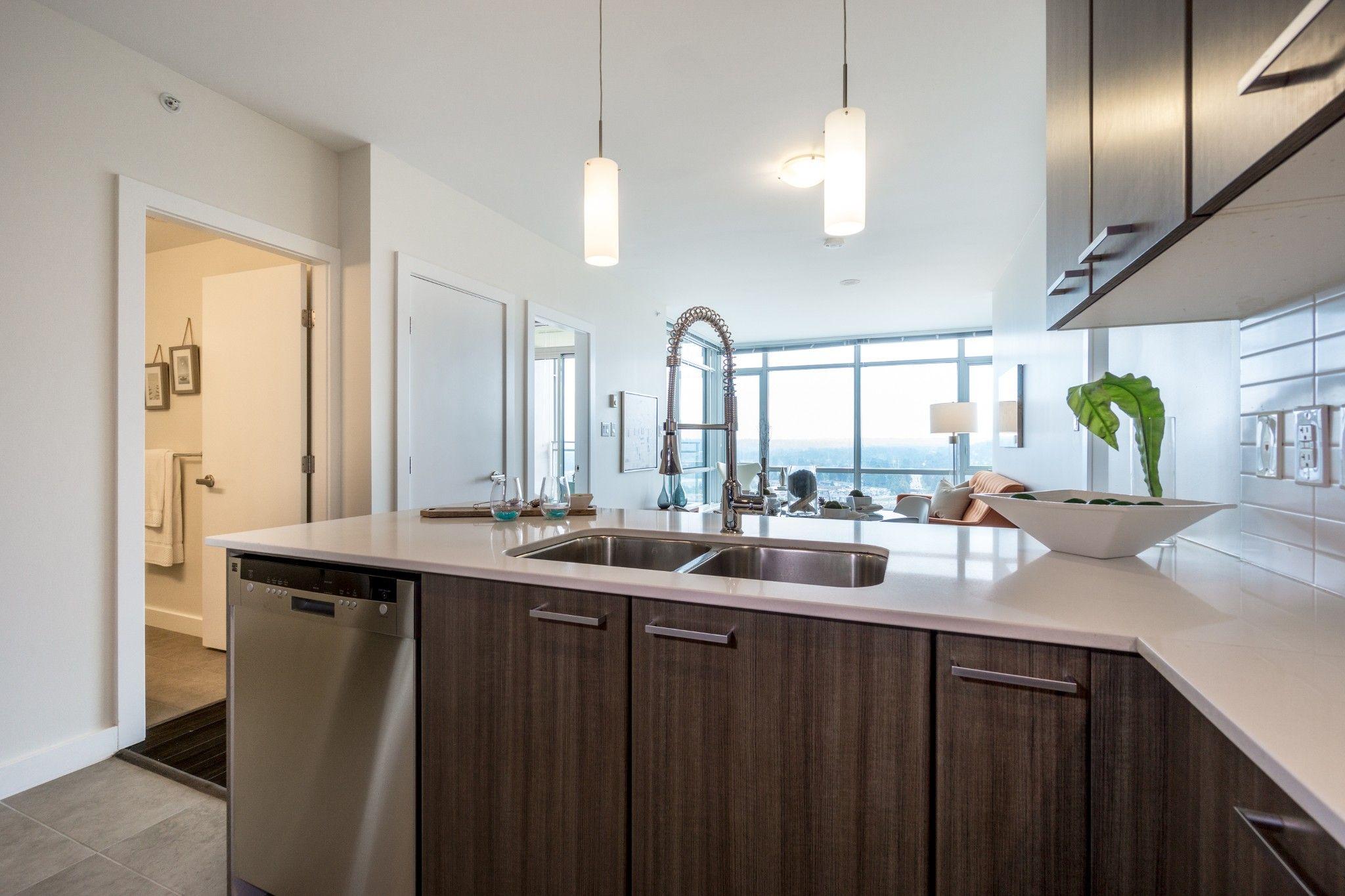 """Photo 8: Photos: 2906 2955 ATLANTIC Avenue in Coquitlam: North Coquitlam Condo for sale in """"OASIS"""" : MLS®# R2274297"""