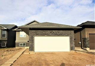 Photo 1: 142 Senick Crescent in Saskatoon: Stonebridge Residential for sale : MLS®# SK833191