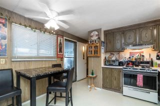 "Photo 2: 44 8220 KING GEORGE Boulevard in Surrey: Bear Creek Green Timbers Manufactured Home for sale in ""Crestway Bays"" : MLS®# R2444828"