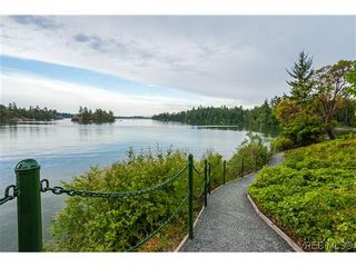 Photo 17: 207 485 Island Hwy in VICTORIA: VR Six Mile Condo for sale (View Royal)  : MLS®# 702261