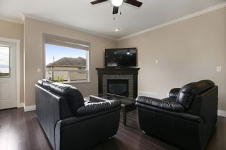 """Photo 7: 34906 2ND Avenue in Abbotsford: Poplar House for sale in """"Huntindgon Village"""" : MLS®# R2102845"""