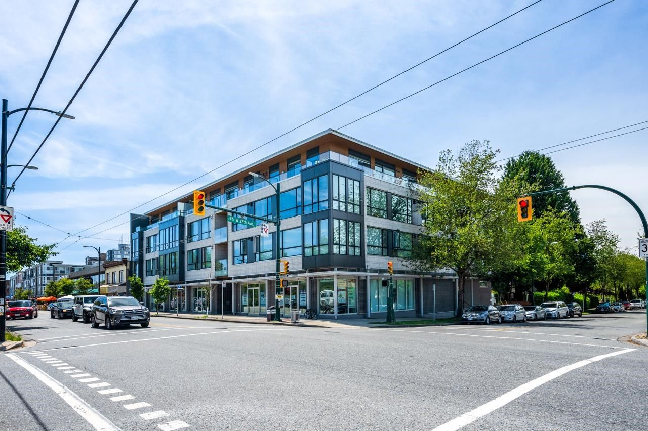 """Main Photo: 105 5325 WEST Boulevard in Vancouver: Kerrisdale Condo for sale in """"BOULEVARD PRIVATE RESIDENCES"""" (Vancouver West)  : MLS®# R2608646"""