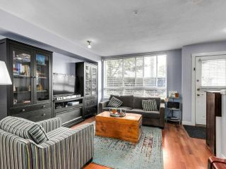 """Photo 4: 2774 ALMA Street in Vancouver: Kitsilano Townhouse for sale in """"Twenty On The Park"""" (Vancouver West)  : MLS®# R2501470"""