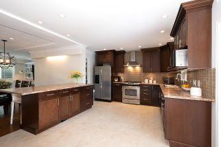"Photo 11: 2611 VIEWLYNN Drive in North Vancouver: Westlynn House for sale in ""Upper Westlynn"" : MLS®# R2624843"