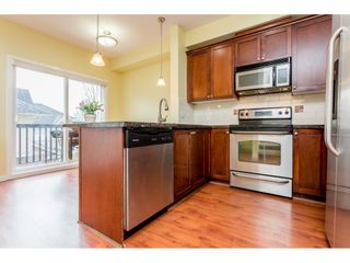 """Photo 7: 26 20159 68 Avenue in Langley: Willoughby Heights Townhouse for sale in """"VANTAGE"""" : MLS®# R2133104"""